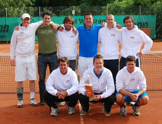 Tennis-Meistermannschaft-2